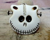 Skull cat in white with lateral nails. Frankenstein cat! Brooch, keychain, pendant or magnet (you choose)