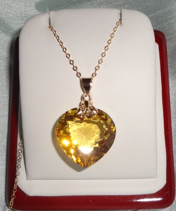 23ct Natural Heart cut Yellow Quartz gemstone, 14kt yellow gold pendant, gold chain