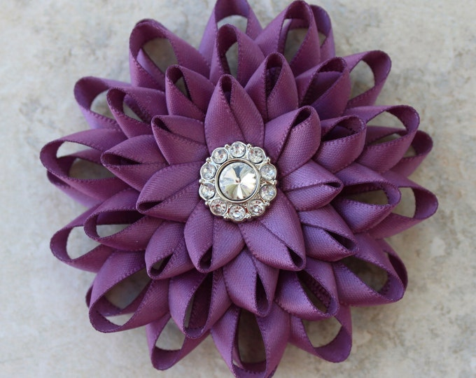 Flower Pin, Purple Dress Pin, Amethyst Flower Pin, Purple Corsage Flower, Purple Wedding Flowers, Purple Bridesmaid Flowers, Mother of Bride