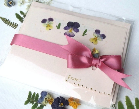 Pressed Flowers Stationery Gift Set By PatsysPressedFlowers