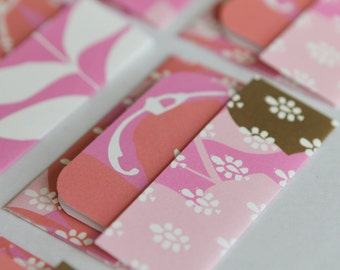 Mini Cards n Envelopes - Set of 6 - Fuschia Pink Flowers with White Leaves and Designs