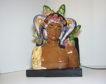 1930s or 1940s Art Deco Cosmo De Salvo-Style Polynesian Exotic Ceramic Hollywood Regency TV Lamp