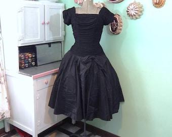 Little Black Dress - Black Party Dress - Vintage LBD - Full Skirt - Ruched Bodice - Taffeta Skirt