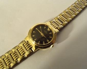 Ladies Watch Seiko Quartz Runs Gold Tone