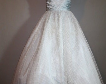 1960's Prom / Shabby Chic // Net Over Taffeta // Prom, Party,Fun
