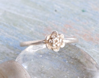 Little Daisy Sterling Silver Ring - Size 8