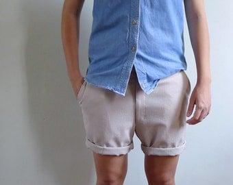 15% SALE (Code In Shop) - Vintage Mens 70's Tan Khaki Shorts Bermudas S-M 31 32 33
