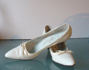 Julianelli Bone Heeled Leather Shoes 8.5N