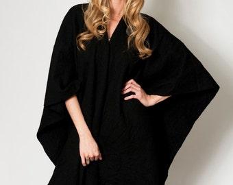 Knit wool cape, Black Wool kimono Poncho, Loose Sweater, Kimono Cardigan, Oversized Tunic, Winter Cape Coat Tassels Fringes