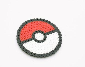 Pokeball magnet - Pixel hama perler bead pokemon trinket, nerdy, geeky, nintendo, fanart, pocket monsters LARGE