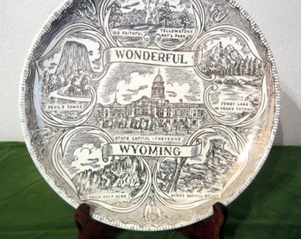 Wyoming State Souvenir Collectible Plate Gold on White Wallhanging - Vintage 1950s