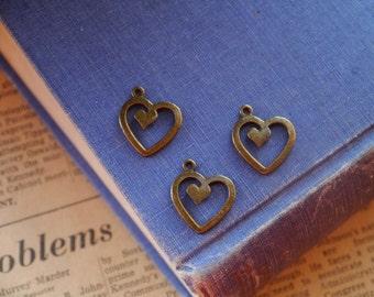 CLEARANCE 6 pcs Antique Bronze Heart Romantic Charms 20mm (SC2259)