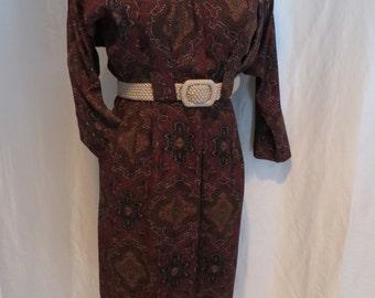80s vintage womens day dress wrap button down long sleeve paisley print dolman sleeves maroon burgundy brown blue dolman sleeve size M L