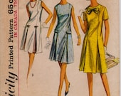 """A-Line Shift Dress Inverted Pleats Size 12 Vintage 1960s Sewing Pattern, Simplicity 5913, Bust 32""""(81.3 cm), Scooter Dress, Free US Shipping"""