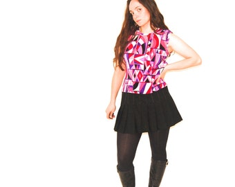1980's Geometric Print Tank Top // Sleeveless Shirt // Bright purple // Ribbed Shirt