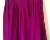 Vintage 1970s Bright Fuchsia PLEATED SKIRT w/ Button Accent