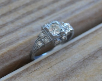 Beautiful antique rhodium plated silver edwardian art deco filigree engagement ring with diamond paste gem / Uncas