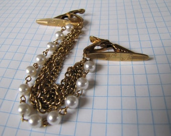 Vintage Gold tone faux pearls and Chains Sweater Guard Clip S S hallmarked clips
