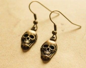 Brass Skull Earrings, Steampunk Earrings, Gothic Skull Earring, Dangle Earrings, Halloween Earrings, Bronze Skull Earring, Sugar Skull, Punk
