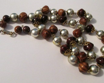 60's BEAD NECKLACE Brown and Silver Faux wood beads Hong Kong Jd2-143
