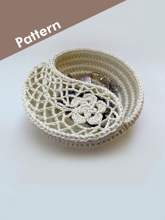 Crochet Photo Tutorial Yin Yang Paisley Jewelry Dish by ...