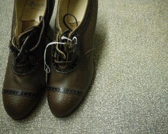 1940's Brown Leather Lace-up Heels Size 5