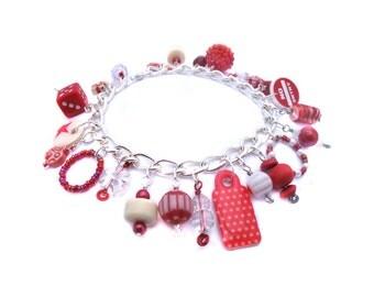 Cute Charm Bracelet - Red and White Cha Cha Bracelet - Girl Chunky Bracelet - Traffic Stop - Item F81