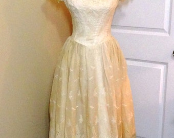 REDUCED - Vintage Ecru or Ivory Eyelet Dress from 1950s, Summer Party Dress - Size 10, Mad Men Style, Beautiful Dress with Crinoline Slip