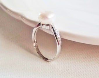 White Freshwater Pearl Ring Sterling Silver Diamond Ring, White Pearl Clear Cubic Zirconia Sterling Silver Size 8 Ring