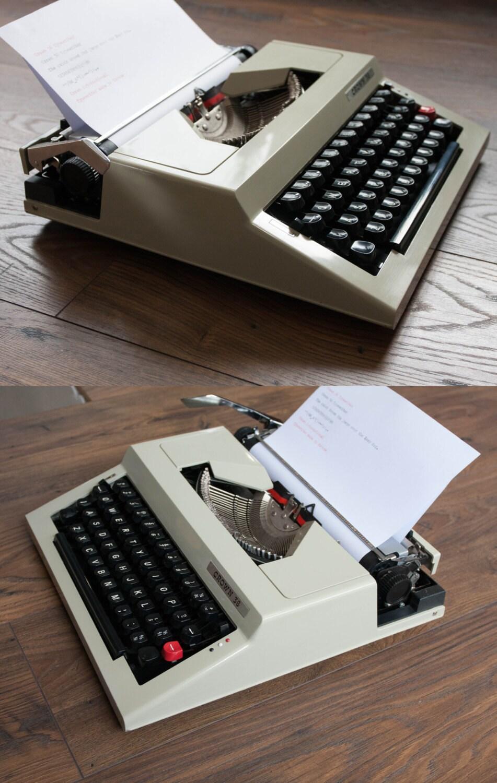 Working Typewriter  Vintage Manual Typewriter  Crown 36
