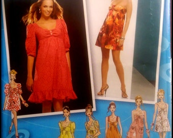 Simplicity 2951  Misses'/ Misses' Petite Mini Dress or Dress with Bodice Variations  Size (4-12)  UNCUT