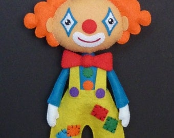 PDF pattern to make a felt clown.