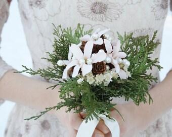 Rustic bridal bouquet winter Wedding bouquet, white flowers natural bouquet cedar pinecone Woodland bouquet silk flowers bouquet ELVES