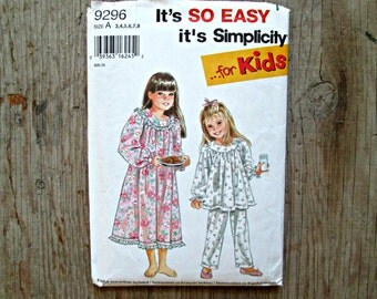 Simplicity Sewing Pattern, It's So Easy It's Simplicity for Kids, Girls Nightgown Pattern, Girls Pajama Pattern, Size A Sewing Pattern