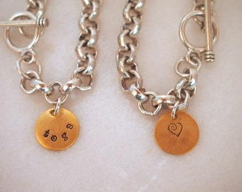 """Chunky link bracelet in Silver or Gold with """"toga"""" (Saratoga) charm"""