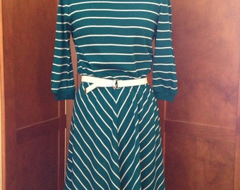 Comtempo Green and White Knit Seventies Belted Dress