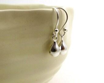Sterling silver drop earrings, minimal earrings, puffed silver teardrop tiny earrings, small silver drop earrings, tiny silver earrings,