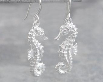Silver Dangle Earrings - Silver Drops - 925 Silver Earrings - Cute Earrings - Nature Earrings - Dainty Earrings - Seahorse Earrings