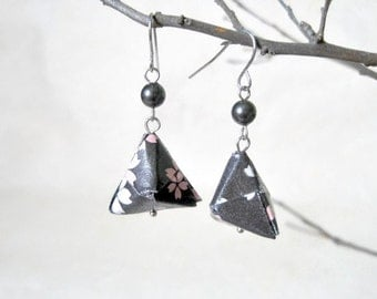 Origami Jewelry - Pyramid Paper Earrings - gift for her - Paper Jewelry - Origami Earrings - Geometric Earrings - WY07