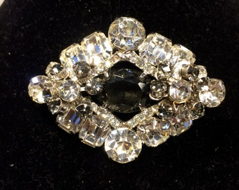FREE  SHIPPING      Diamond  Rhinestone  Brooch