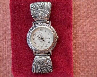 Kokopelli Chieftain Watch - Working Condition - No Strap - Two Chieftain Links on Either Side - Silver Metal Loops for Strap
