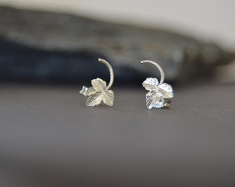 silver leaf stud earrings, small studs, vine leaves, tiny silver post stud earrings, nature inspired jewelry, maple leaves