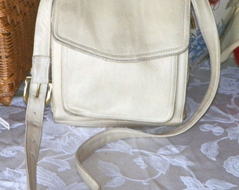"""CoLLeCt YouRselF / Fossil ORGANIZER pebbled leather crossbody commuter purse  9.5""""T x  7.5""""w train purse, leather multicompartment organizer"""