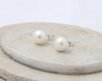 Freshwater Pearl Stud Earrings, Natural White Pearl Stud Earrings 9 - 10 mms  JBT85