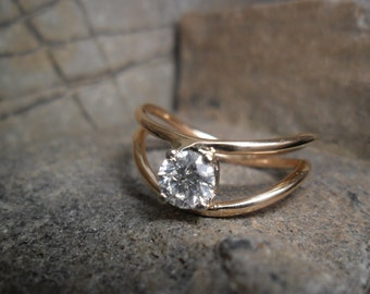 Gold set with jaune14K of a solitaire diamond ring