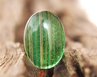 Gemstones - Green Sand Quartz Cabochon - oval 25mm x 18mm