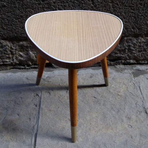 Vintage small triangular table from the fifties haute juice - Petite table haute ...