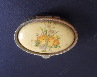 vintage pillbox/Pillbox with animal design/ Old pillbox
