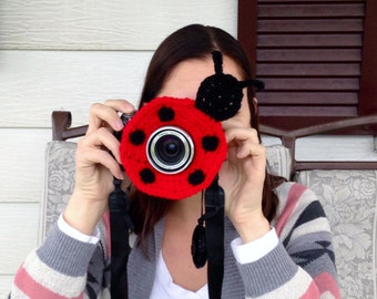 Camera lens buddy.  Crochet camera critter ladybug.  Photography prop