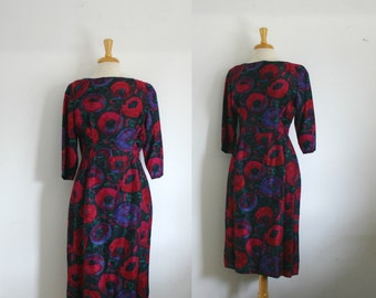 1950s silk floral cocktail wiggle dress with three quarter length sleeves size large